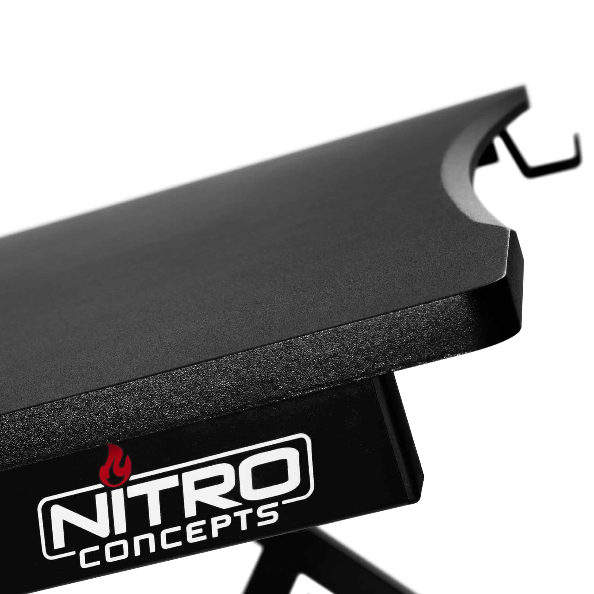 Gamer asztal Nitro Concepts D12 1160 x 750 mm Fekete